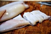 cutting-calamari